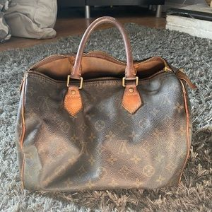 Louise Vuitton speedy with wallet